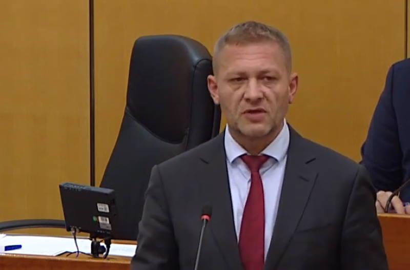 Šef HSS-a javno žali što Udba nije ubila više hrvatskih emigranata, odgovorio mu je mostovac Sladoljev