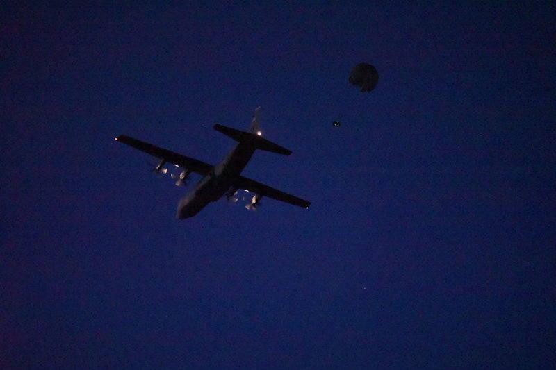 VOJNA VJEŽBA U LICI: Američka vojska izvršila zračni desant na Udbinu [VIDEO]
