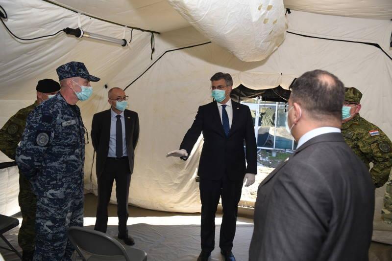 Plenković obišao šatore kod KB Dubrava i zahvalio vojnicima na dobro obavljenom poslu [FOTO]